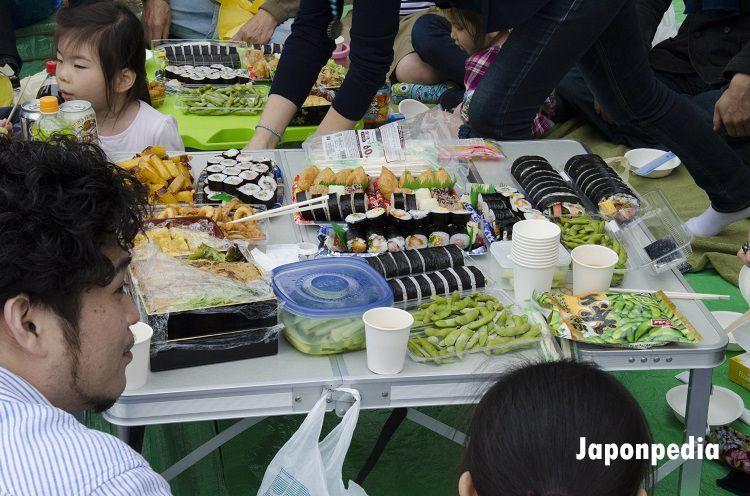 hacer hanami en Japón. Comidas.
