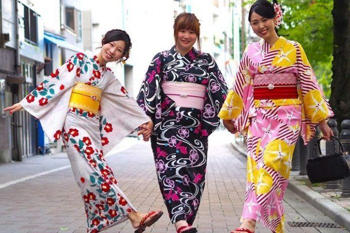 Alquilar Kimono en Tokio. Asakusa. Tokio. Mejor precio.