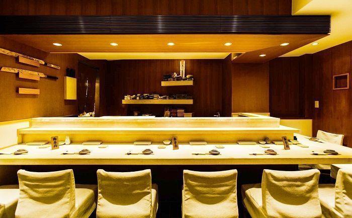 Comer sushi en Tokio. Restaurante Umi