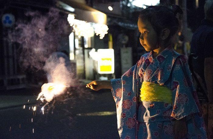 Viajar a Japón con niños - hanabi