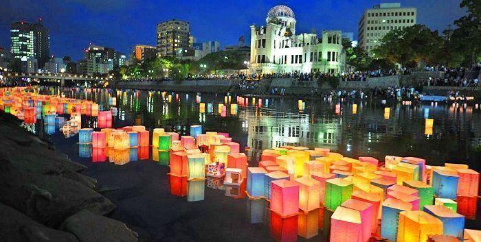 Aniversario de la bomba de Hiroshima. Tōrō Nagashi.