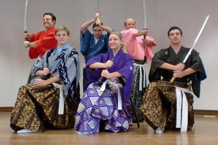Espectáculo samurái y clases de katana (kembu).