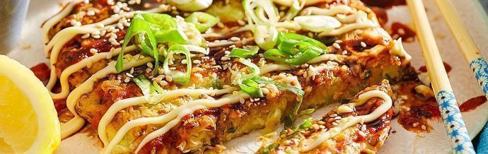 Platos japoneses. Okonomiyaki.Gastronomía.