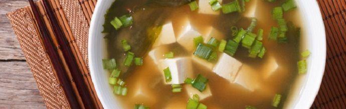 Comida japonesa. Sopa de miso.
