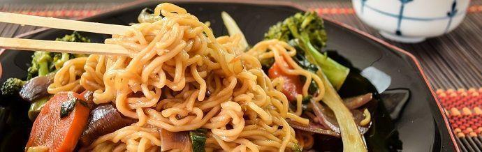Yakisoba. Gastronomía japonesa.