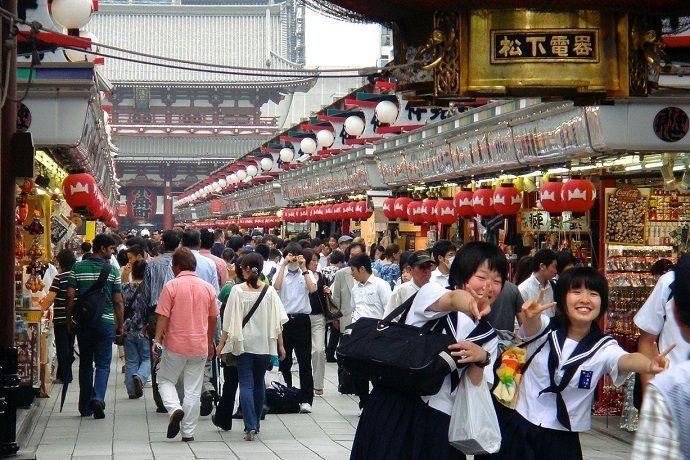 Calle Nakamise-Dori. Templo Sensoji