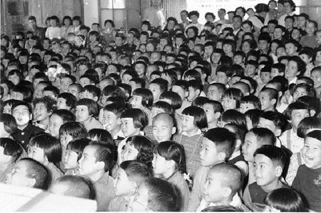 Niños en templo Senpukuji Hashima