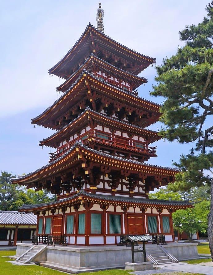 Nara. Templo Yakushiji